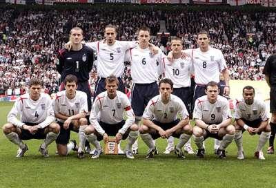 منتخب إنجلترا يسافر إلى يورو 2012 بلا ملابس داخلية 9998328103.jpg