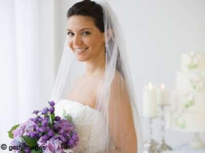 إلى العروس : ابتعدي عن الضحكة التقليدية ولا تنسي تفتيح اللثة