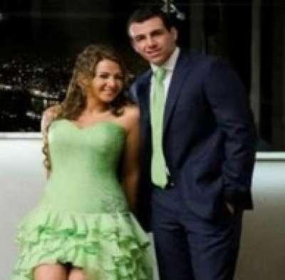 هجوم على دنيا سمير غانم بسبب فستان خطوبتها