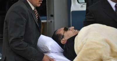 """رفعت كتب الحكم على مبارك بيده ويرفض كتابته بـ """"الكمبيوتر"""" خوفاً من تسريبه للرأى العام"""