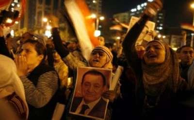 """أبناء مبارك يهددون بقطع """"شرايين أيديهم"""" حال استمرار مبارك بالمزرعة"""
