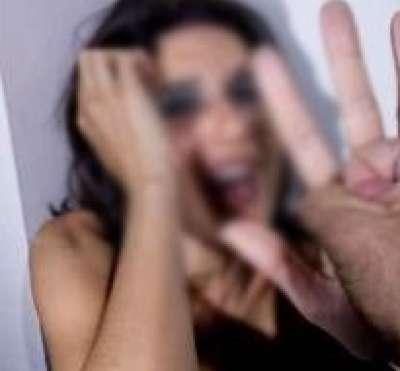مصر: 5 أشخاص يوقفون قطارًا ويختطفون سيدة ويجردونها من ملابسها ويوثقون يديها ويغتصبونها تحت تهديد السلاح