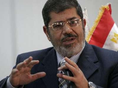 """راتب """"د. محمد مرسي"""" 1650 دولار أمريكي"""