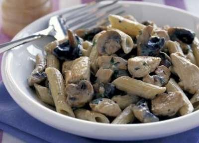 الباستا الإيطالية بالدجاج والجبن