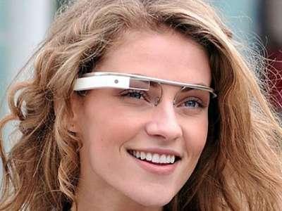"""نظارات بكاميرا وإنترنت من """"جوجل"""""""