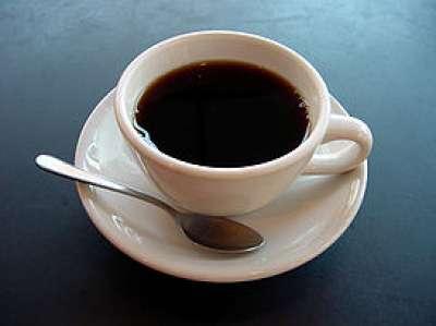 الإفراط في شرب القهوة يؤثر سلباً على علاجات الخصوبة