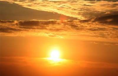 تحذيرات من التعرض لأشعة الشمس المباشرة ما بين الساعة الحادية عشره والساعة الرابعة عصراً