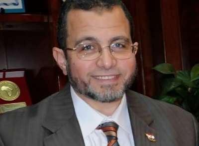 رئيس الوزراء المصري نجى من موت محقق:الطائرة تعرضت لعاصفة وقنديل نطق الشهادتين وقرأ القرآن استعدادا للموت