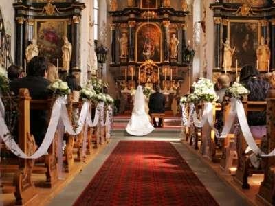 كنيسة تمنع زفاف أمريكيين بسبب لونيهما