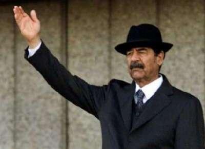 """لماذا اصطحب """"صدام حسين"""" وزير الدفاع وولده """"قصي"""" وهو يغادر بغداد"""
