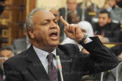 النائب بكري لنجل مرسي: عيب يا ولد لا تستقوي بوالدك