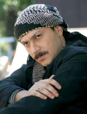"""مقتل الفنان السوري  وائل شرف""""أبو العز"""" في اثناء محاولته للنزوح الي تركيا"""