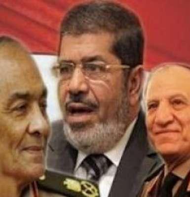 طنطاوى وعنان قيد الإقامة الجبرية وتجريدهما من رتبهما العسكرية