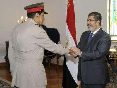 الرئيس المصري: منح طنطاوي قلادة النيل لن يمنع محاكمته .. سيحاسب والأوسمة لا تحمي أحداً