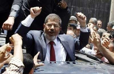 يذهب الى المدرسة على ظهر حمار..اسرائيل تتساءل ..محمد مرسى فلاح ساذج أم اخوانجى داهية؟!