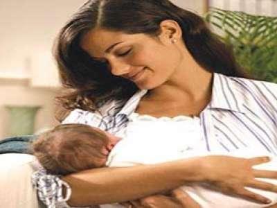 الرضاعة الطبيعية تحمي الأم من الأمراض وتعزز المناعة لطفله