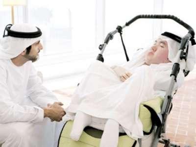 ولي عهد دبي يحقق حلم بوقس بإكمال دراسته وعلاجه