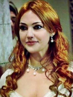 الممثلة التركية مريم أوزرلي 9998343962.jpg