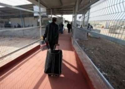 مصادر في الارتباط لدنيا الوطن : إسرائيل ستفرج عن 20 متسللاً عبر الحدود إلى غزة الليلة