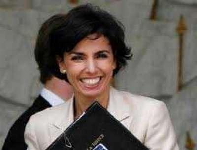 وزيرة العدل الفرنسية السابقة رشيدة داتي عاشرت 8 اشخاص.. فمن هو والد طفلتها؟!