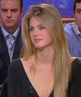 صورة وزيرة التعليم البلجيكية الأكثر تداولاً خليجياً بتويتر