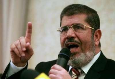 مرسي يجتمع بوزيري الدفاع والداخلية