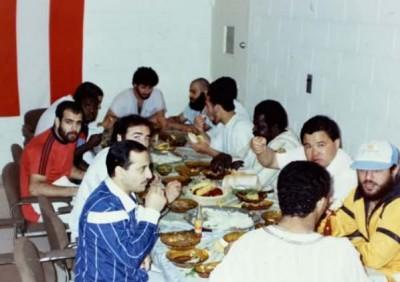 من هو أسامة بن لادن ؟ .. صور نادرة تُنشر لأول مرة لزعيم القاعدة