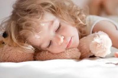 نصائح لحلّ مشاكل النوم الأطفال