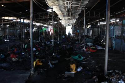 صور.. الدمار الذي خلفه الحريق في سوق نابلس