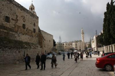 شاهد بالصور ساحة كنيسة المهد 9998363914.jpg