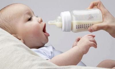 استخدام اللهاية.. يجب التقليل منها لطفلك 9998363983