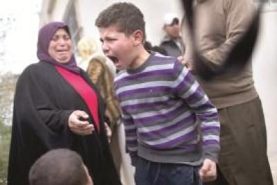 فيديو.. صرخات طفل وطفلة تشج القلب اثناء هدم اليهود منزلهم في القدس الشريف