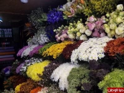 """بالصور:""""اتيكيت"""" تقديم الورد في رام الله"""