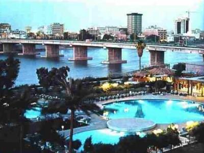 غرق مطعم عائم على متنه 80 شخصاً في بغداد فيديوا
