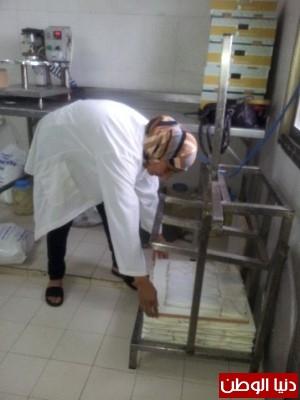بالصور:صناعة الجبنة الايطالية بأيادي فلسطينية لتنافس الأجبان الاسرائيلية 9998370132.jpg