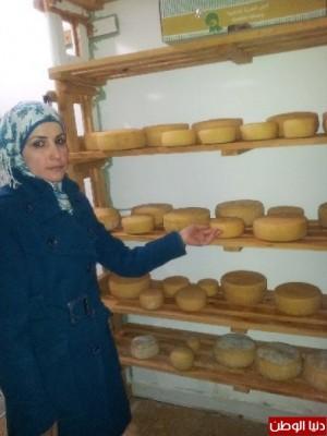 بالصور:صناعة الجبنة الايطالية بأيادي فلسطينية لتنافس الأجبان الاسرائيلية 9998370149.jpg