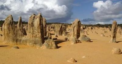 الصحراء الأعمدة الحجرية الجيرية حديقة نامبونج الوطنية استراليا 9998370987.jpg