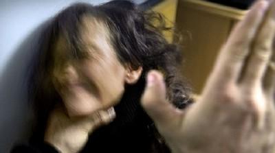 ابنة زوجته اليتيمة لأنها تزعجه فراش الزوجية