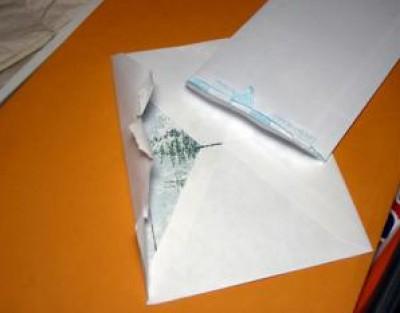 الرسالة البريدية 9998376949.jpg