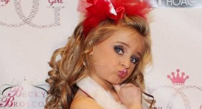 بالصور والفيديو.. إيزابيلا باريت ملكة جمال الأطفال في العالم تتحول لاصغر مليونيرة في العالم