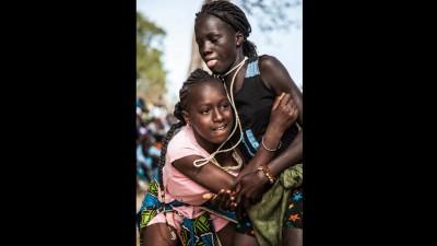بالفيديو وبالصور: مصارعة نسائية في السنغال