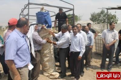وزارة الزراعة ومحافظة طوباس توزع خيم للمزارعين في الأغوار الشمالية