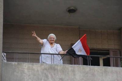 الحرس الحمهورى يحتفل بخلع مرسي 9998391405.jpg