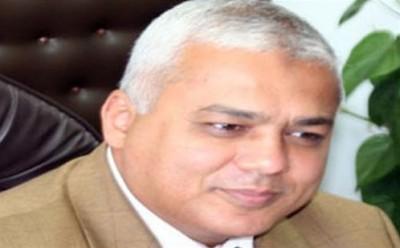 وزير الرى يزور اسيوط لتفقد مشروع قناطر اسيوط