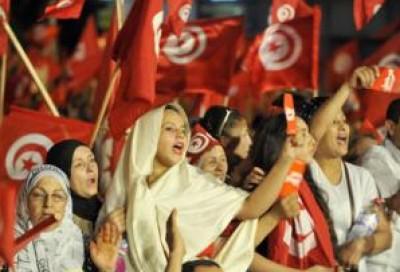 في احياء عيد المرأة التونسية: نساء تونس يطالبن برحيل الحكومة