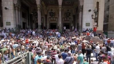 مصر: في ساعات الصباح الأولى..إطلاق نار على قوات الأمن من داخل مسجد الفتح