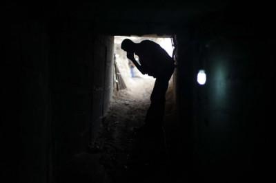 سمع دوي الانفجارات من الجانب الفلسطيني:  الجيش المصري يفجر عدة أنفاق برفح