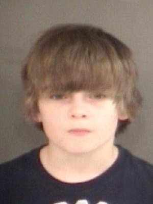 بالصور طفل يبلغ اثنى عشر عام يتم الحكم عليه بالسجن المؤبد