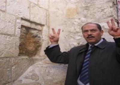 فيديو.. الفنان التونسي لطفي بوشناق يجوب شوارع القدس ويغني لها