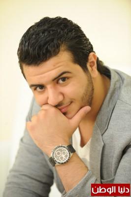 بالصور: النجم يوسف عرفات يتألق على مسرح Dubai music week
